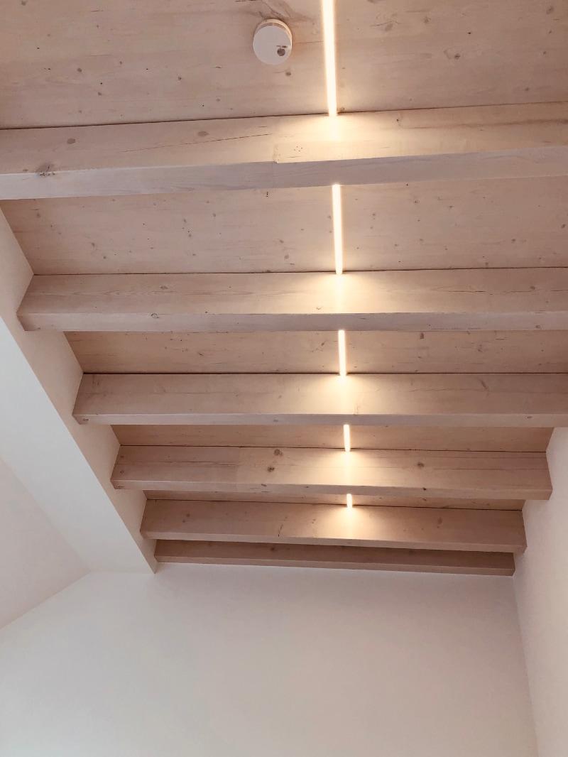 LED Band Beleuchtung Sparrendecke