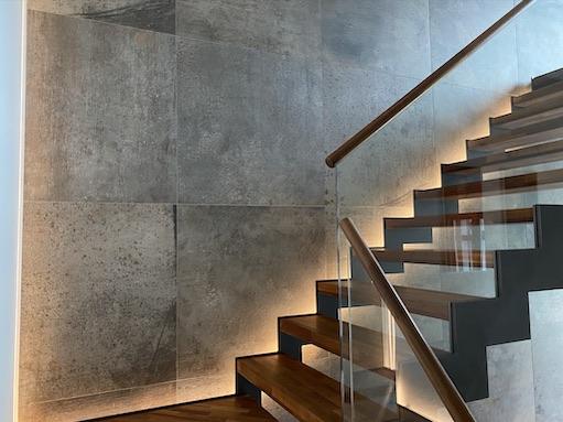 indirekte Treppenhausbeleuchtung